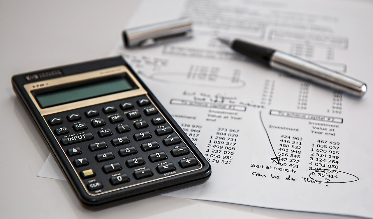 Trying to measure Return On Investment on your SEO efforts with calculator and list of costs.